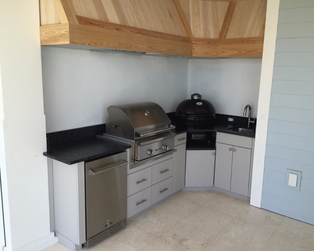 nice outdoor bbq kitchen in casey key