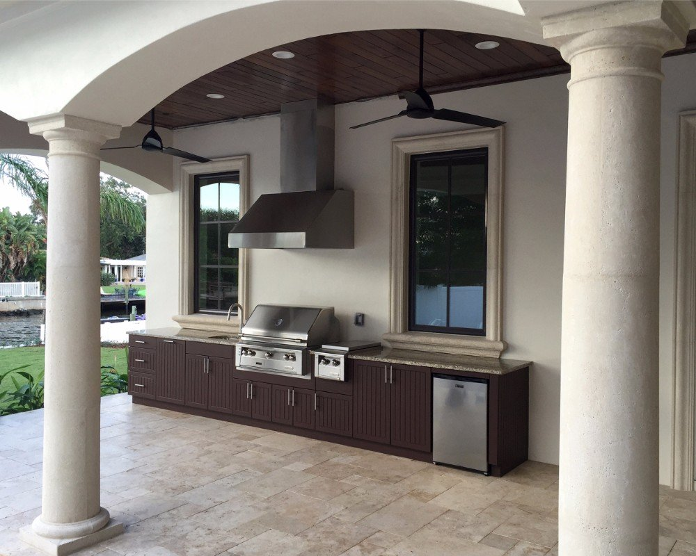 poolside kitchen