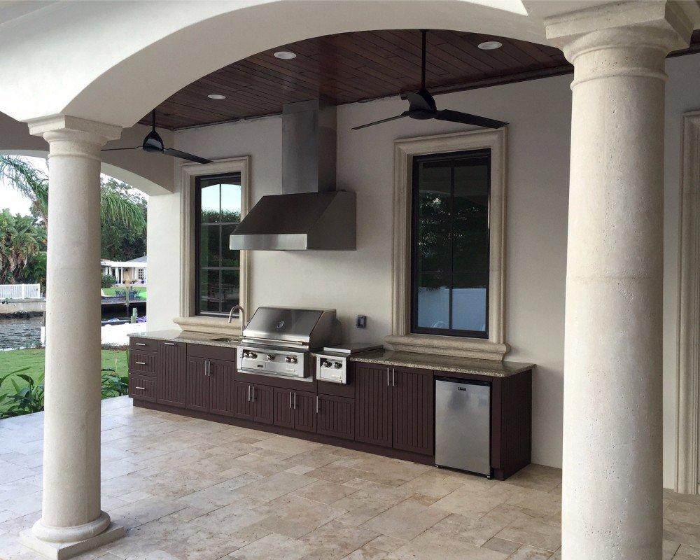 poolside kitchen