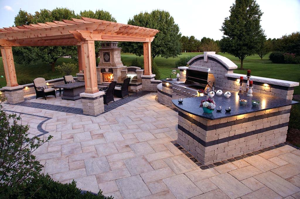 How To Decide On The Perfect Outdoor Kitchen Design For Your Particular Backyard Entertaining Style In Tampa Soleic Outdoor Kitchens Of Tampa